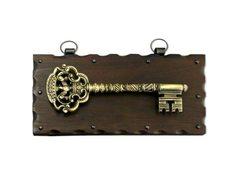 Ключница настенная из дерева