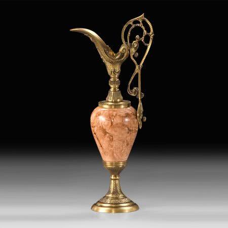 Ваза - кувшин Клеопатра из бронзы с эмалью под розовый мрамор