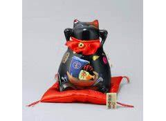 Манеки неко - кот копилка Защита от зла и удача во всем!